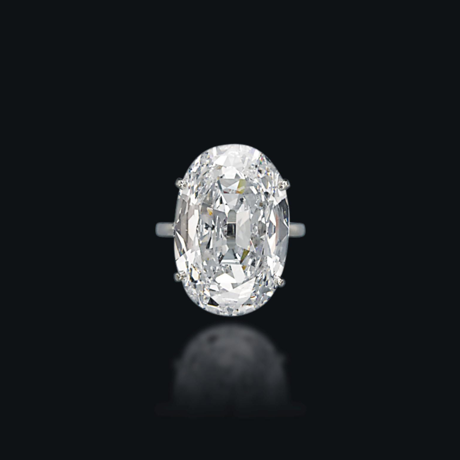 A DIAMOND RING, MOUNTED BY VAN CLEEF & ARPELS