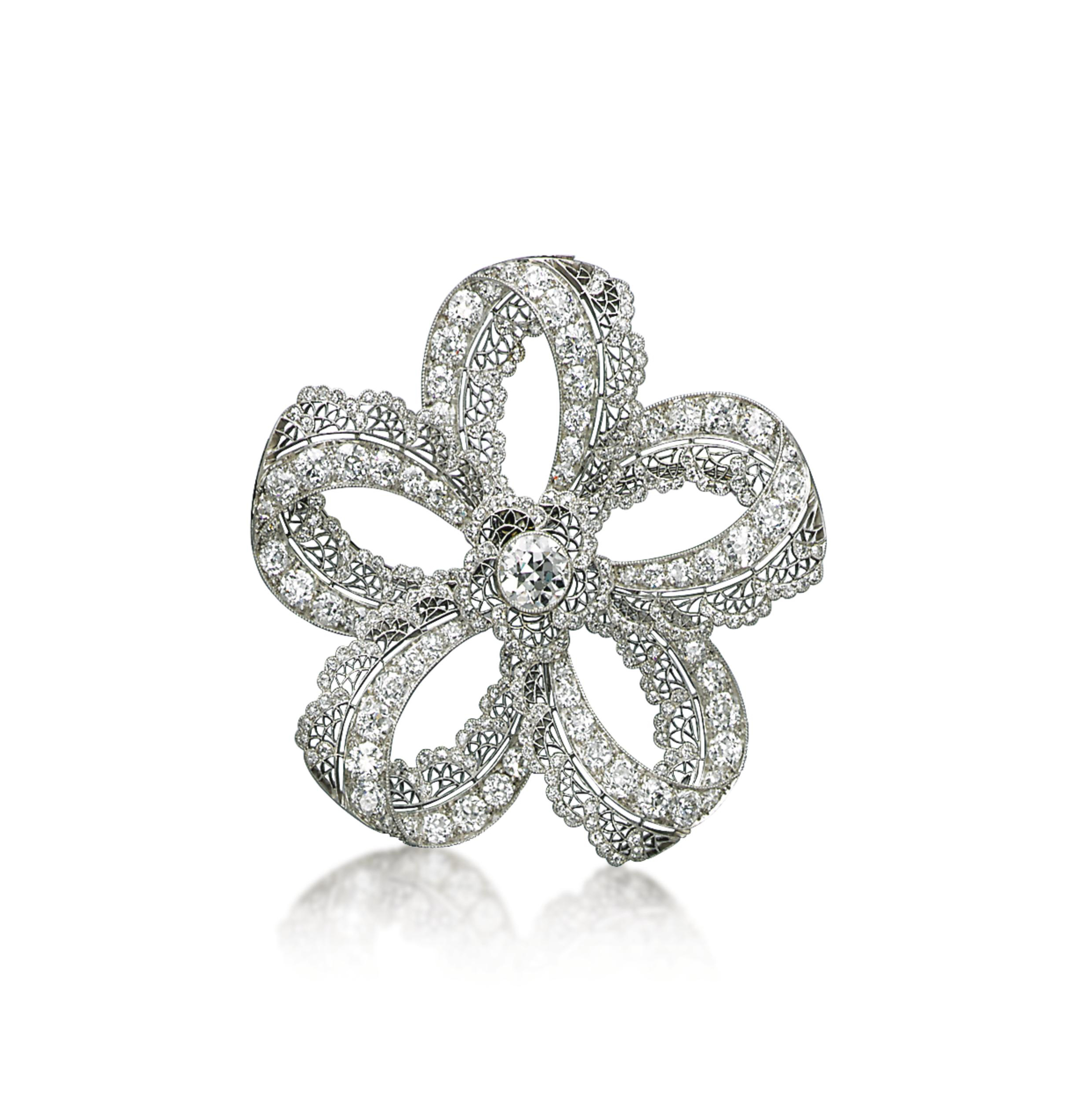 A BELLE EPOQUE DIAMOND BROOCH, BY HENNELL