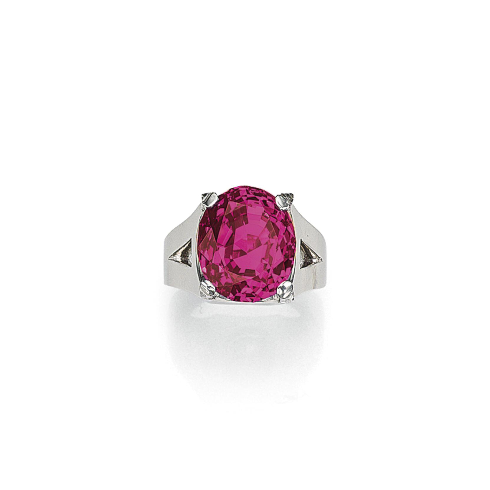 AN EXCEPTIONAL RUBY AND DIAMOND RING, BY CARTIER