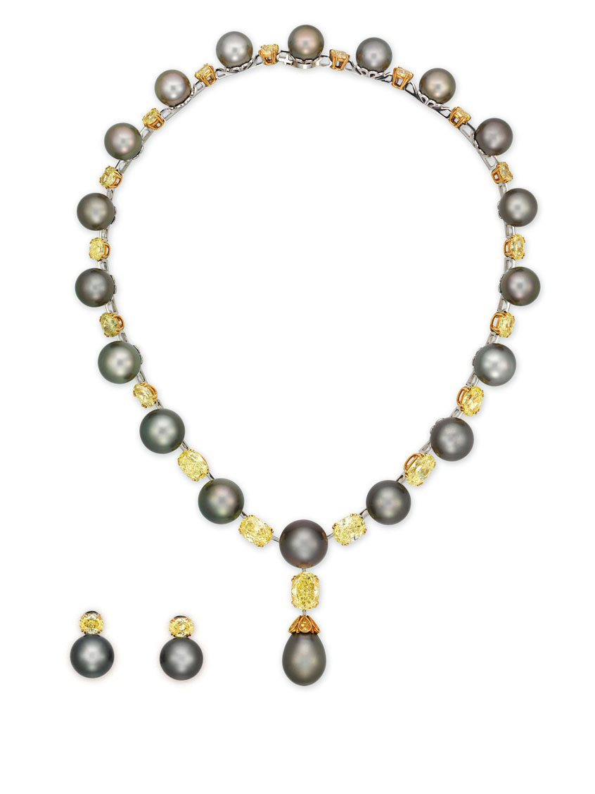 AN IMPORTANT CULTURED PEARL AND COLOURED DIAMOND NECKLACE, BY DAVID MORRIS WITH MATCHING CULTURED PEARL AND COLOURED DIAMOND EARRINGS