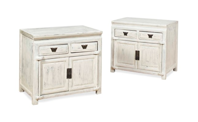 A PAIR OF CHINESE WHITE-PAINTE