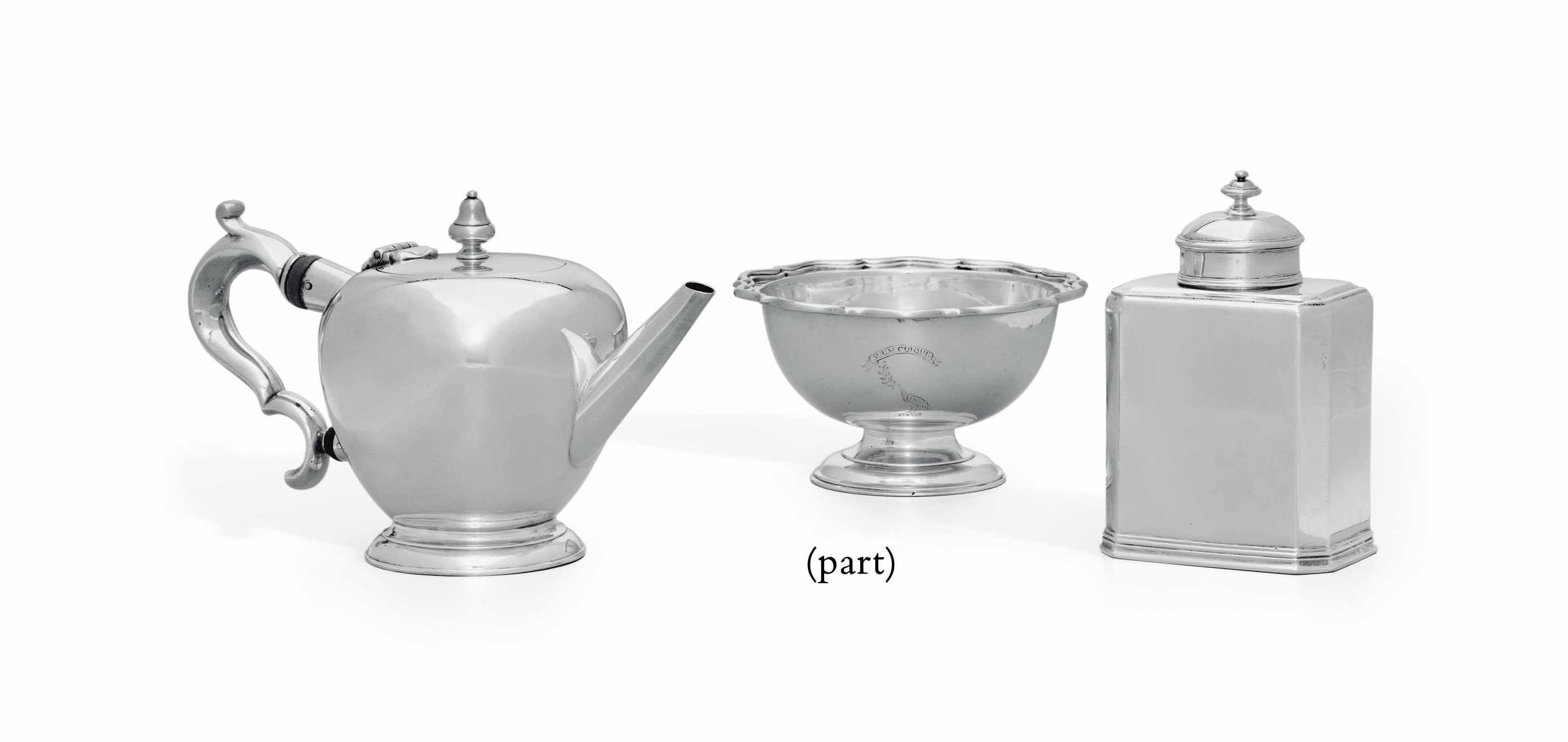 A GROUP OF SCOTTISH AND ENGLISH SILVER OBJECTS