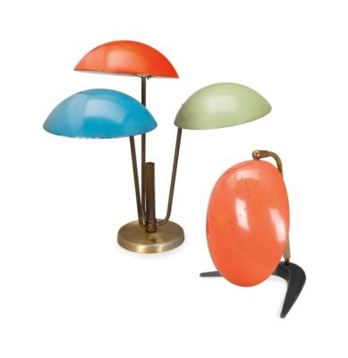 AN EMAMELED METAL DESK LAMP,