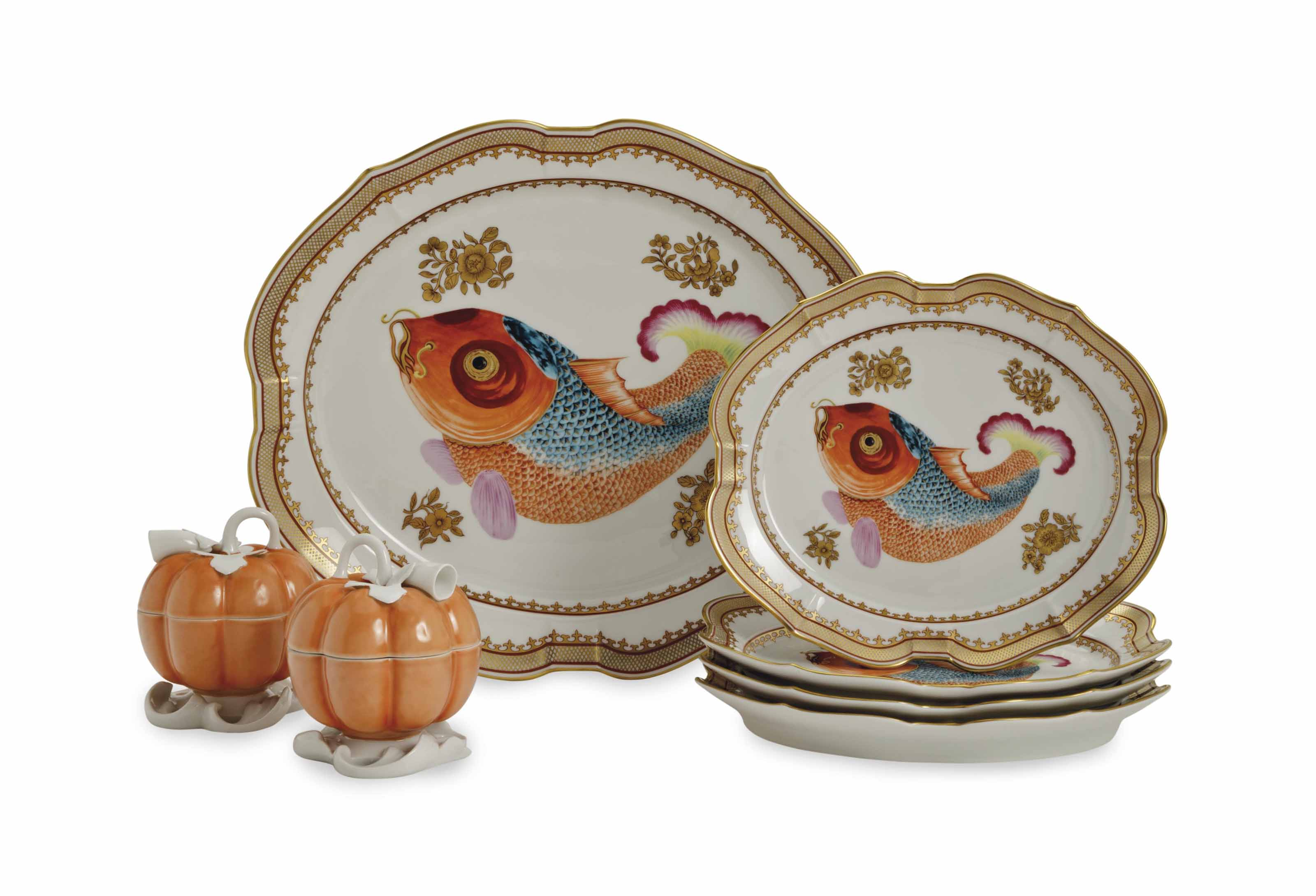 A CHINESE EXPORT-STYLE PORCELAIN TABLE SERVICE,