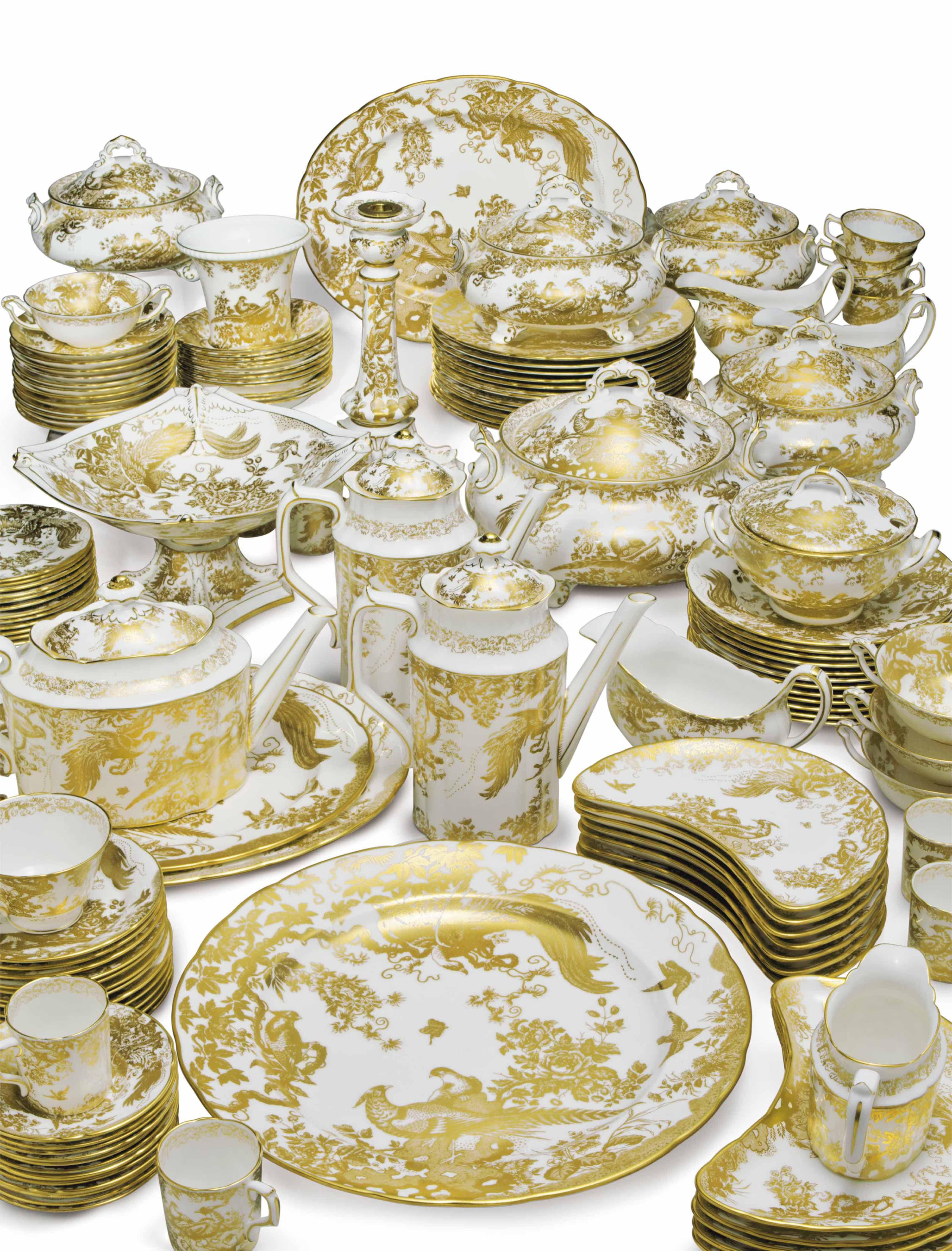 A ROYAL CROWN DERBY PORCELAIN PART DINNER AND DESSERT SERVICE IN THE 'GOLD AVES' PATTERN