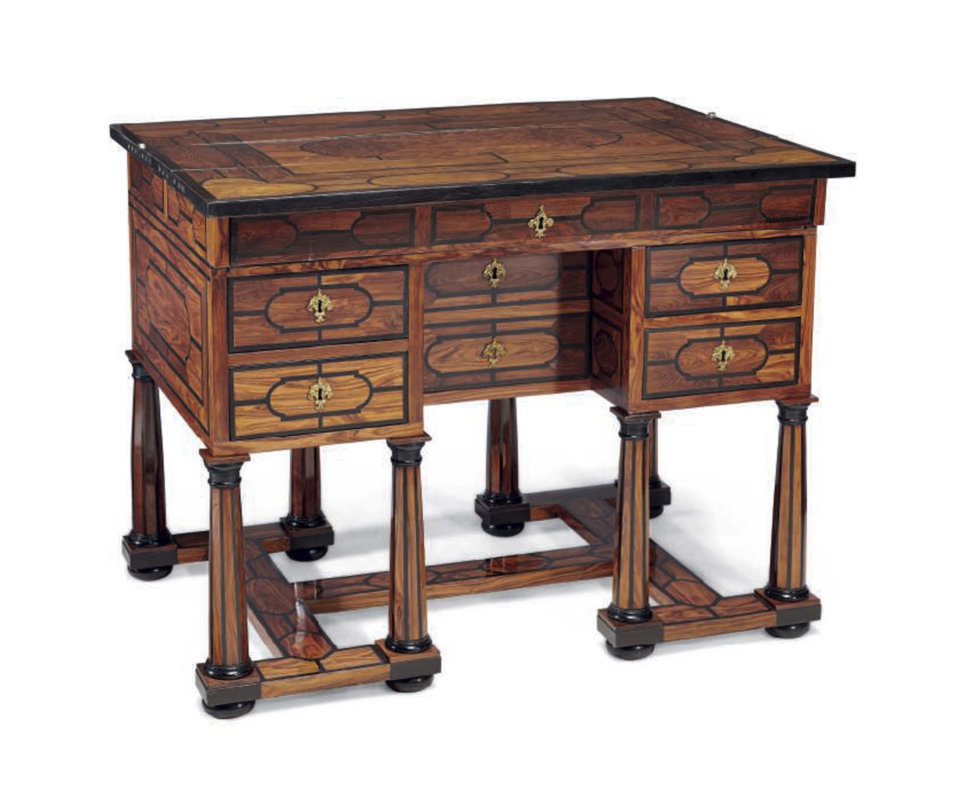 BUREAU MAZARIN DE STYLE LOUIS XIV XIXEME SIECLE Furniture