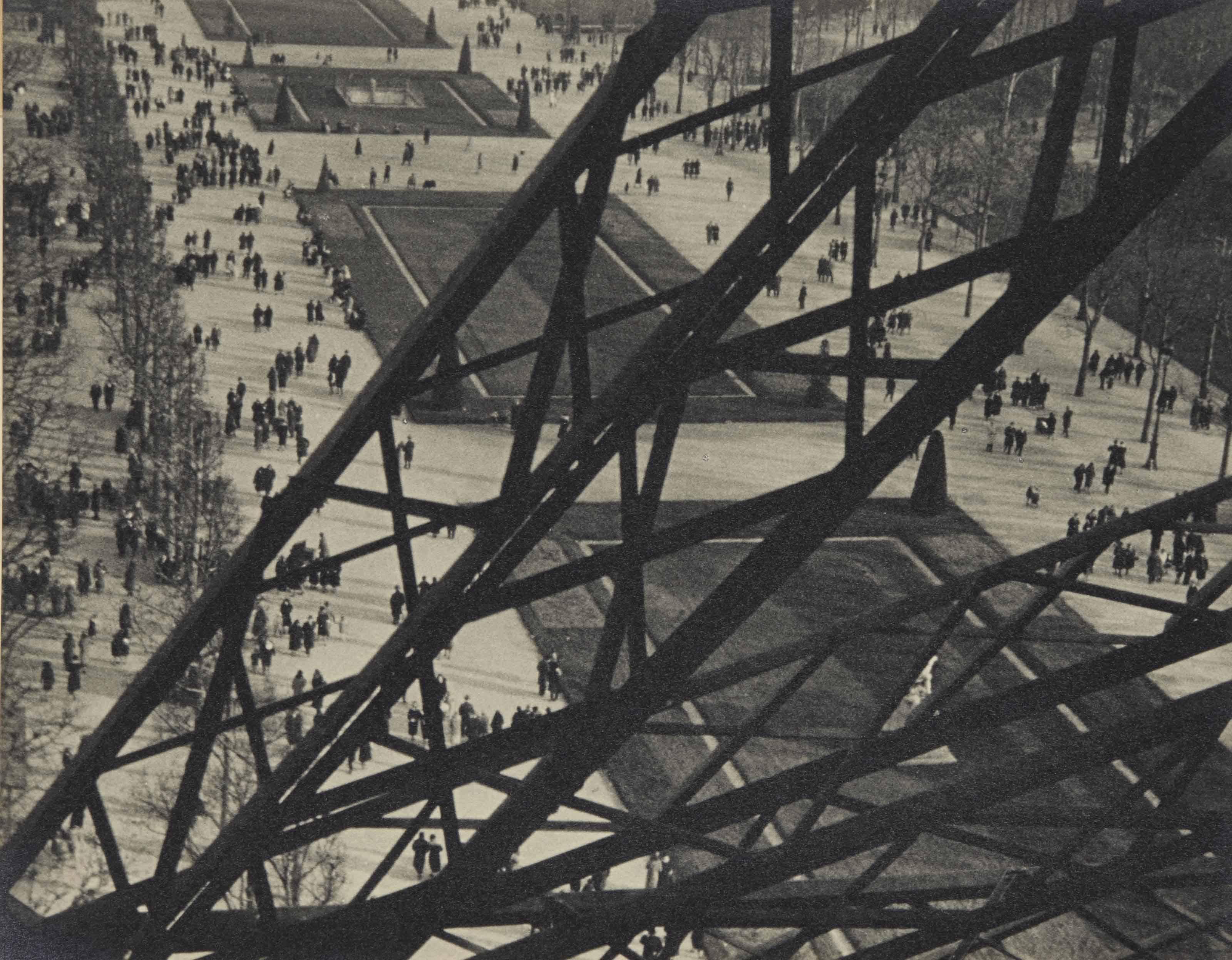 Tour Eiffel, Paris, 1931