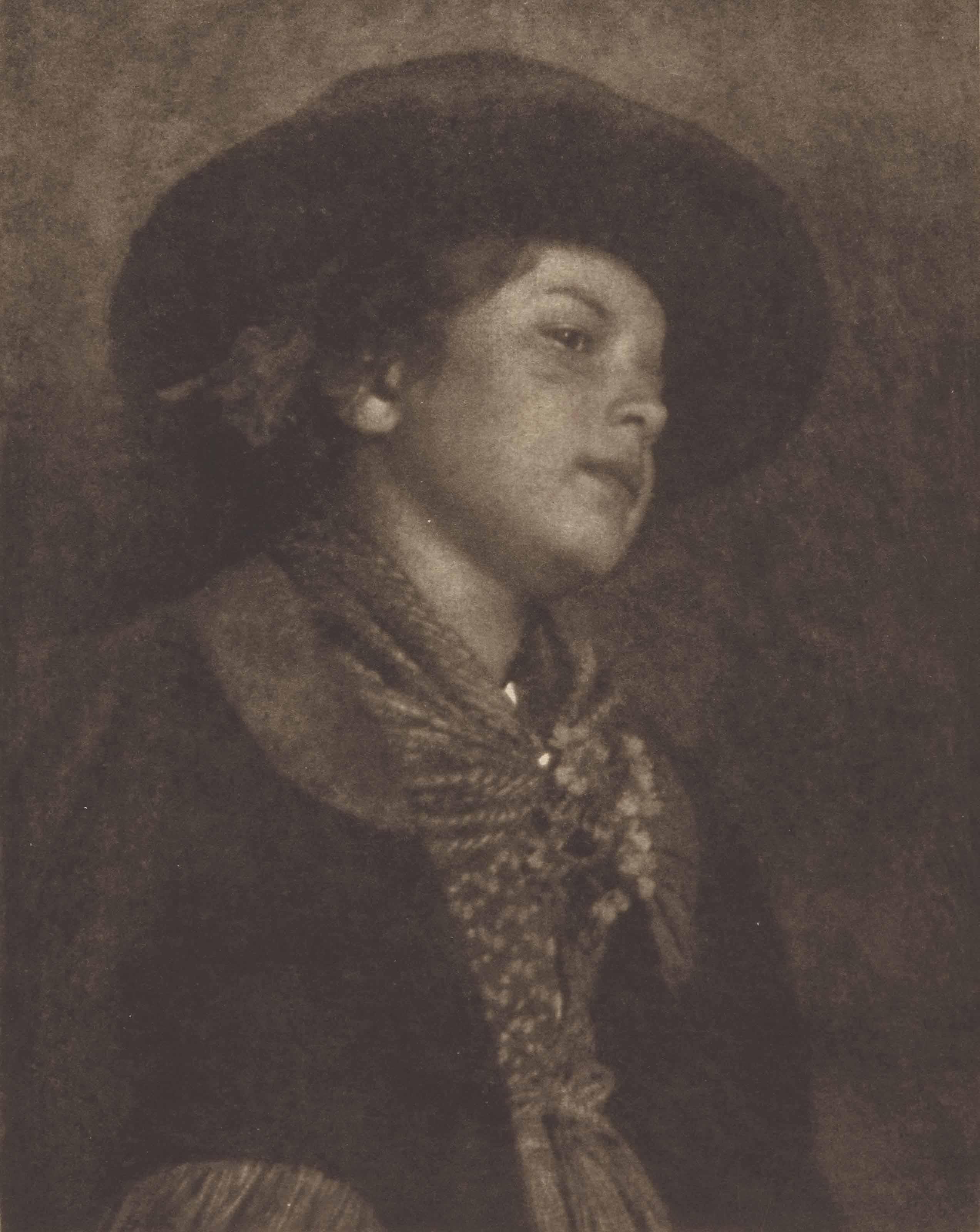 Edeltrude mit Hut, vers 1910