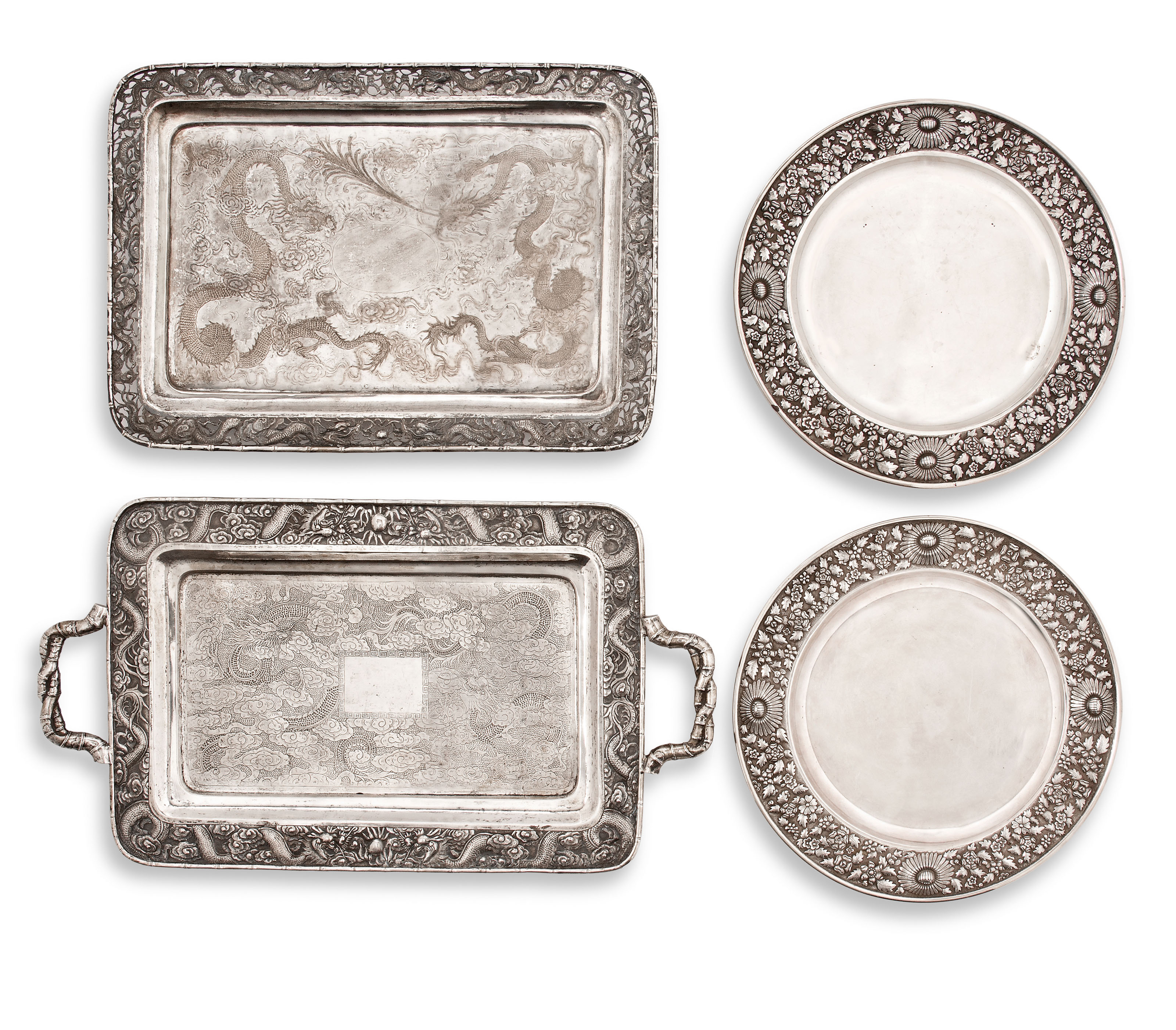 A PAIR OF SILVER FLORAL DISHES