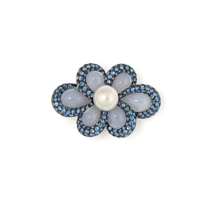 A CULTURED PEARL, CHALCEDONY A