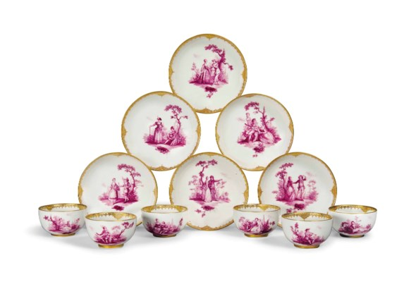 SIX MEISSEN TEABOWLS AND SAUCE