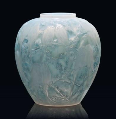 A 'Perruches' Vase, No. 876