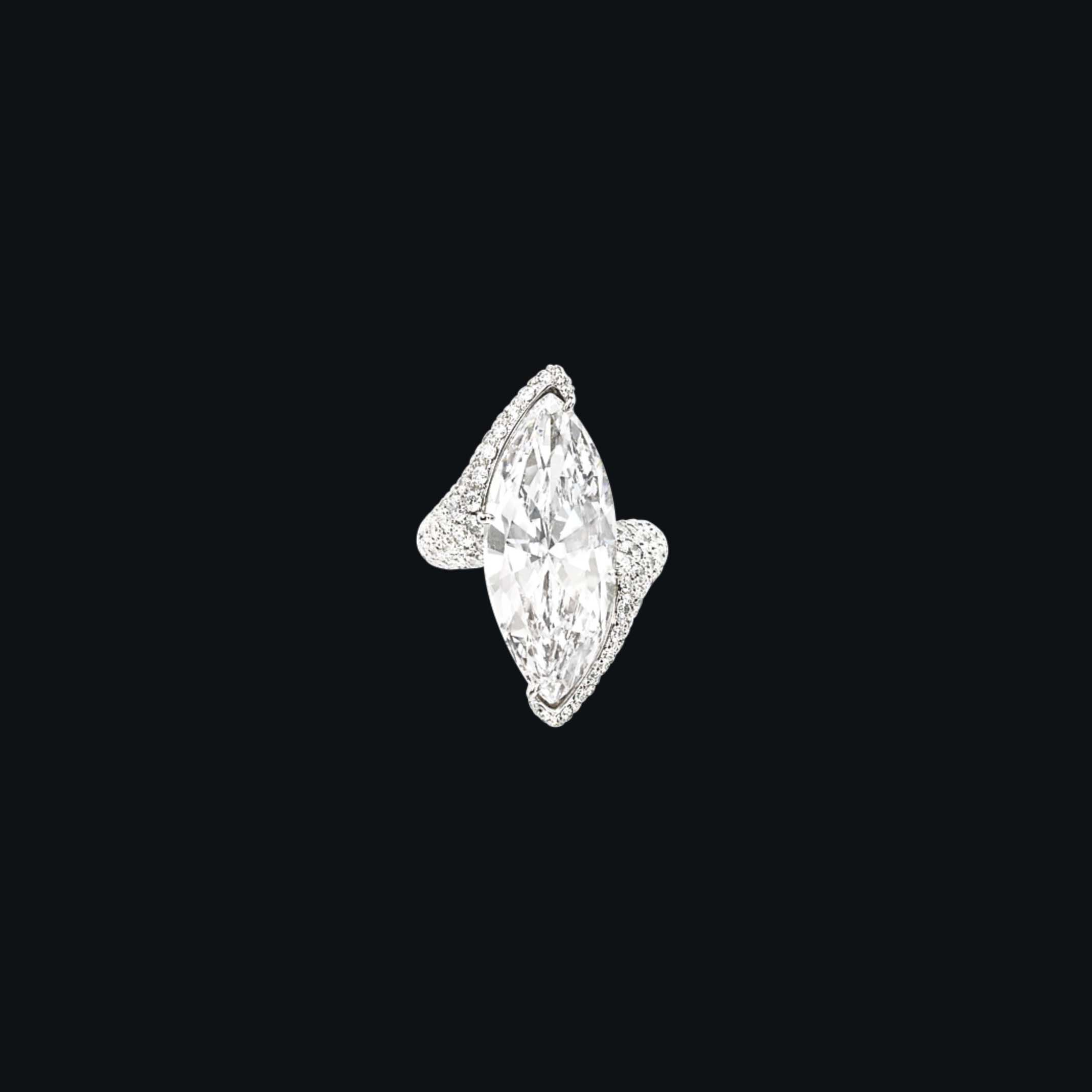 A DIAMOND RING, BY DE GRISOGONO