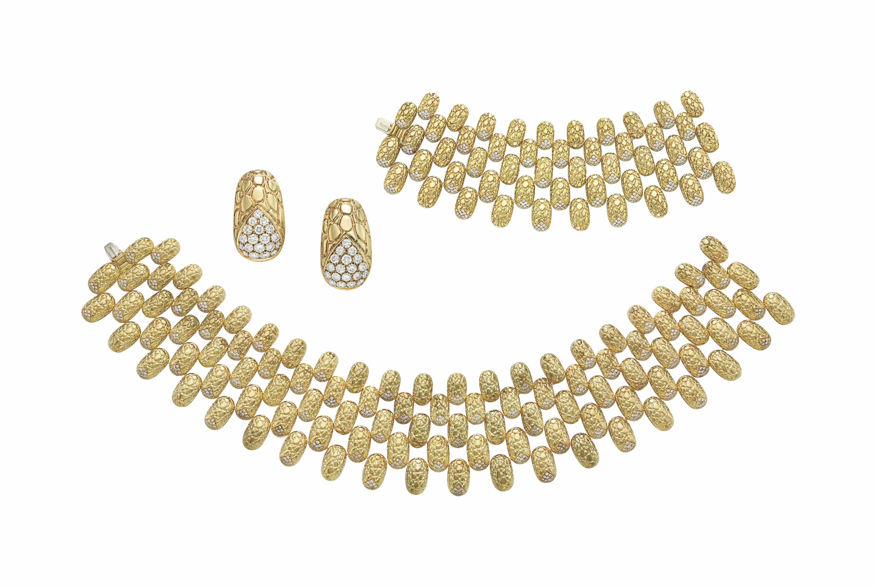 A SUITE OF GOLD AND DIAMOND JEWELRY, BY GUCCI