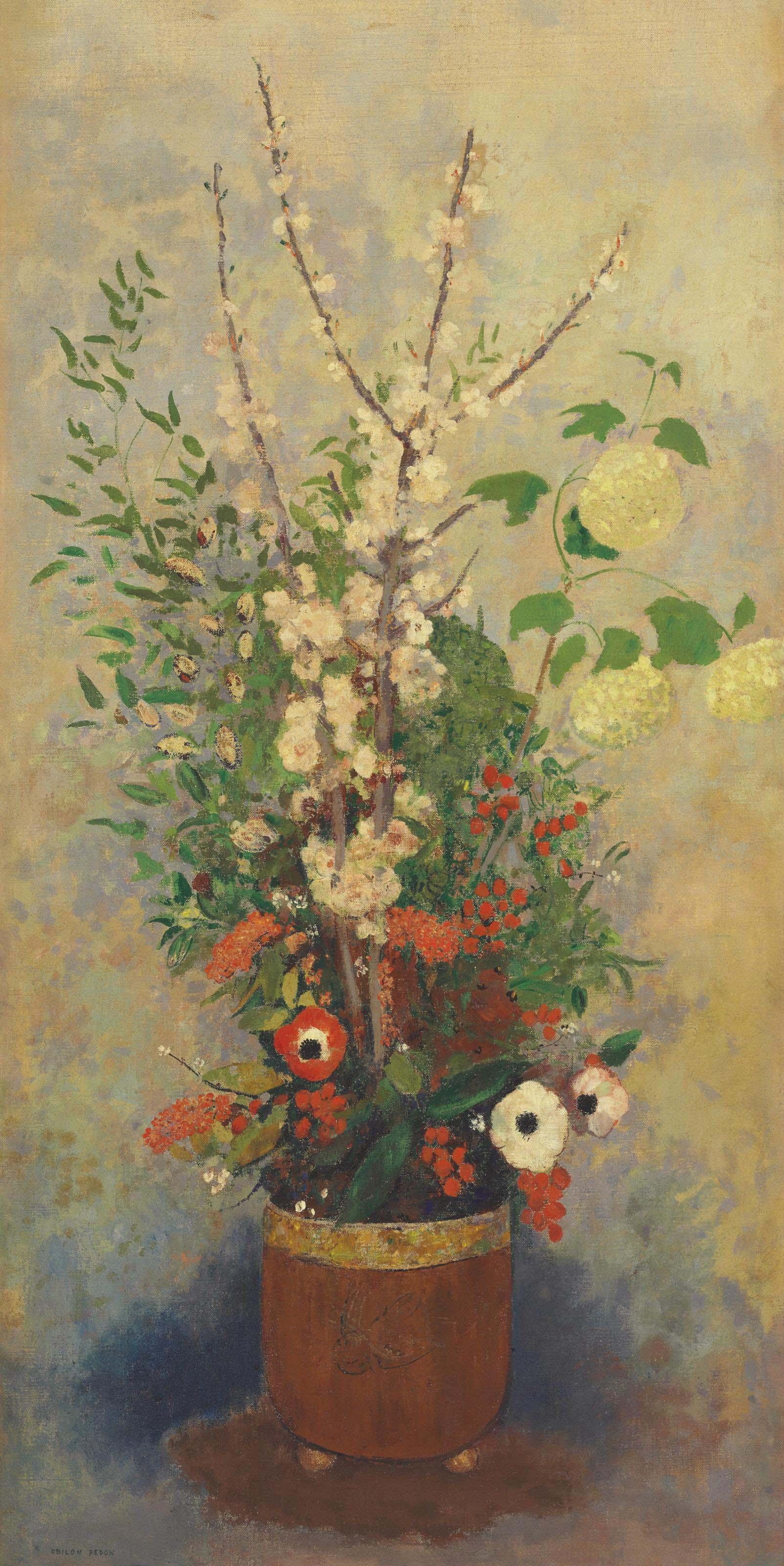 Vase de fleurs avec branches de pommiers en fleurs