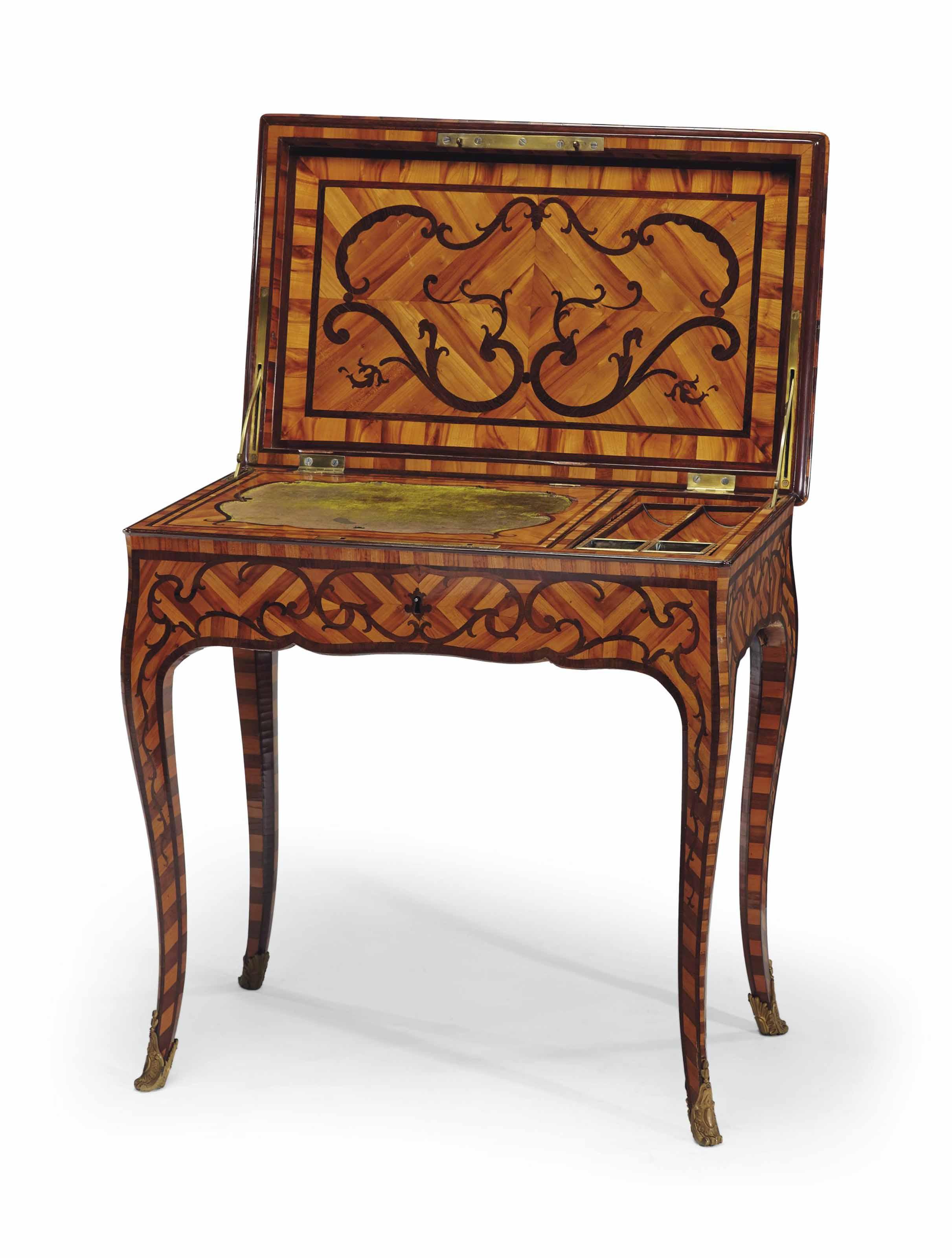 TABLE A ECRIRE D'EPOQUE LOUIS XV