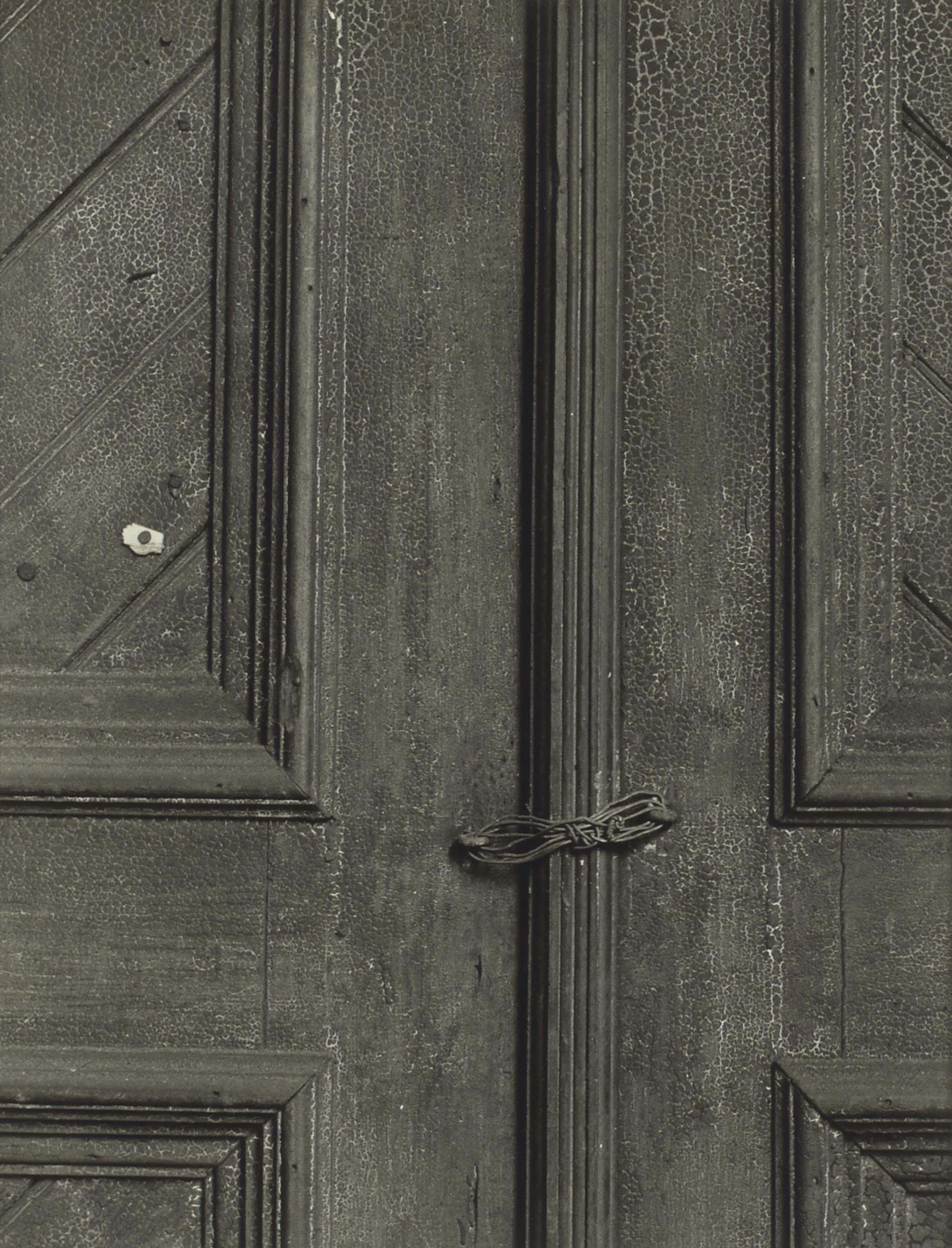Untitled (Door with Wire), vers 1940