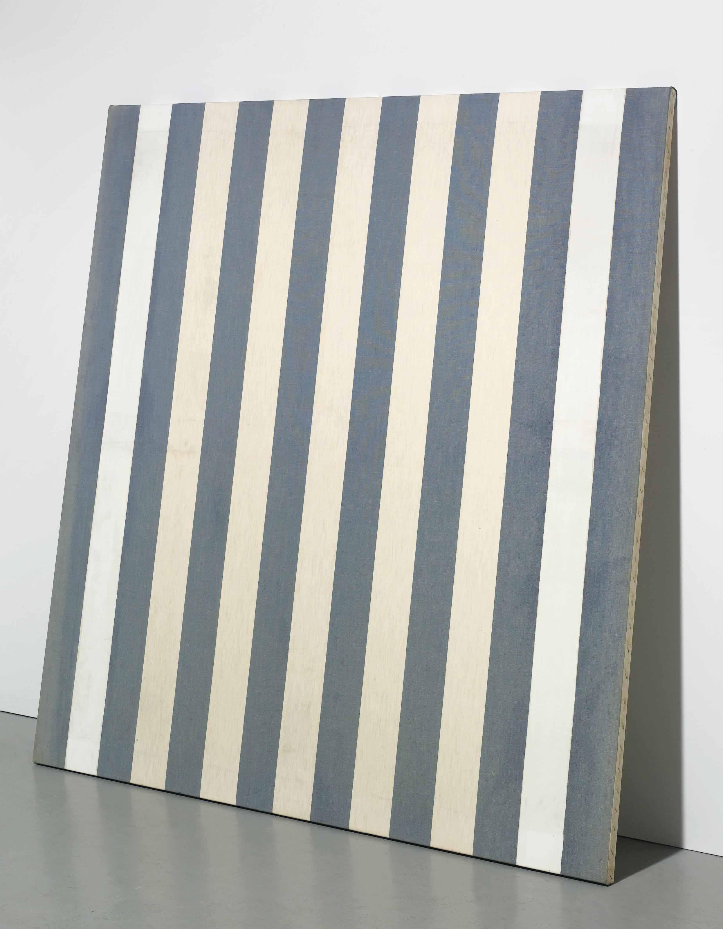 Peinture acrylique blanche sur tissu rayé blanc et bleu