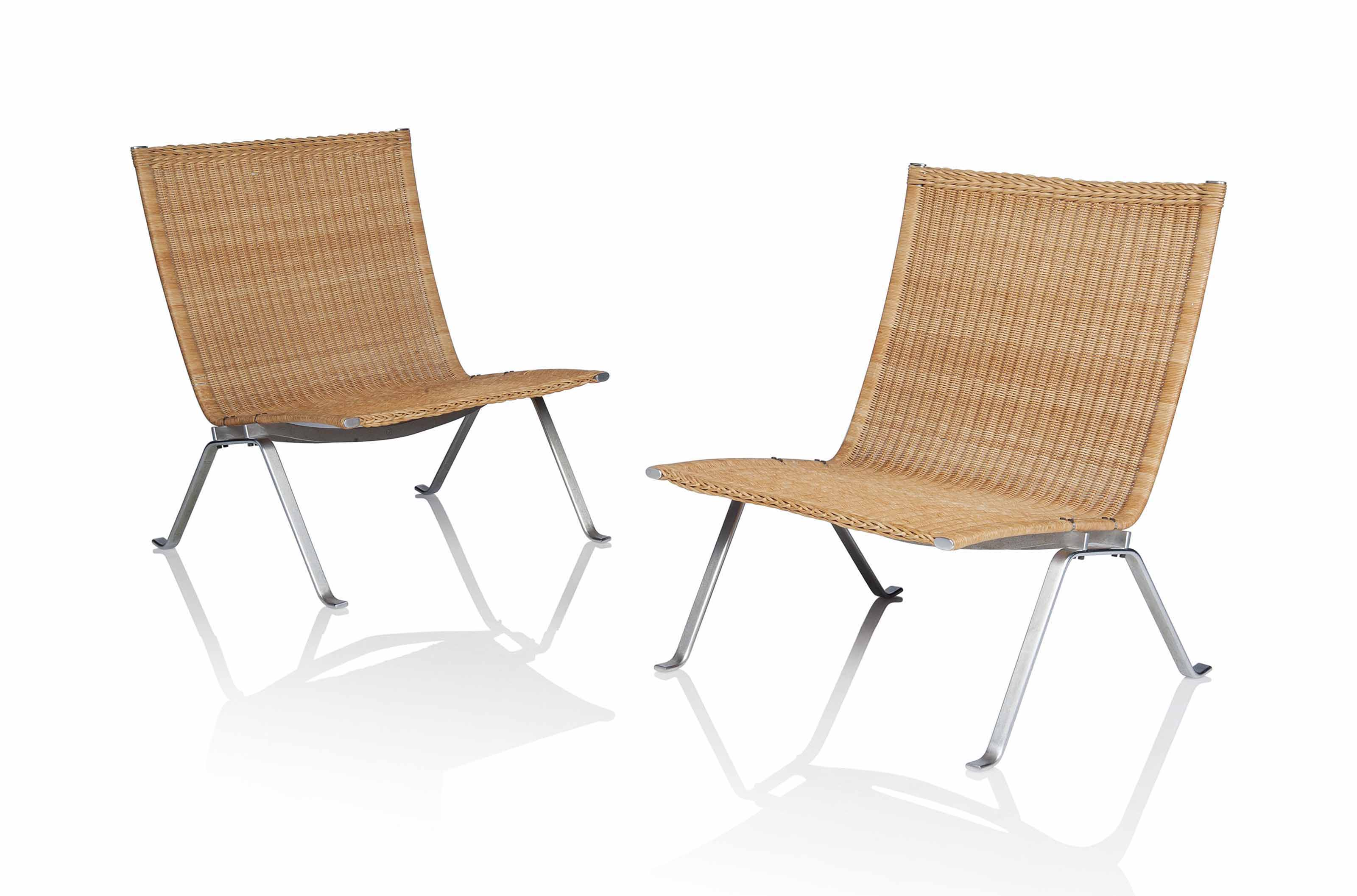 A PAIR OF 'PK22' LOUNGE CHAIRS