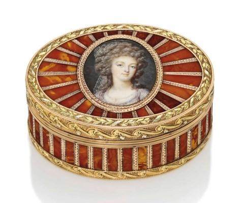 A LOUIS XV THREE-COLOUR GOLD A
