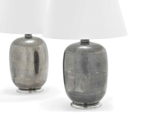 A PAIR OF MEI PING STYLE VASE