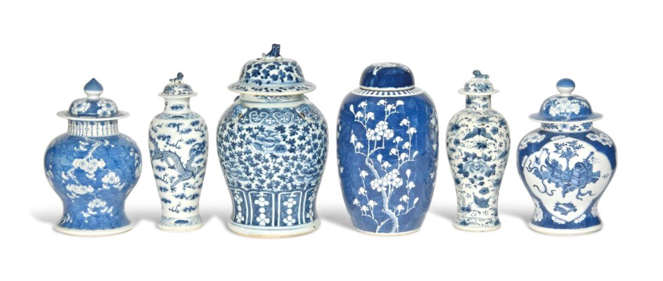 SIX VARIOUS CHINESE BLUE AND W