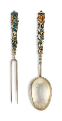A GERMAN SILVER AND ENAMEL SPO
