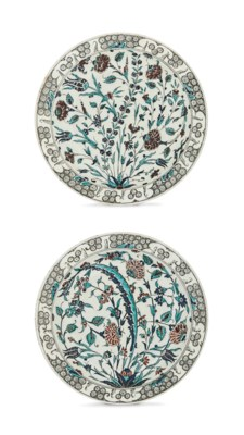 A PAIR OF LARGE IZNIK STYLE CH