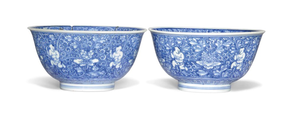 A PAIR OF BLUE AND WHITE 'BOYS