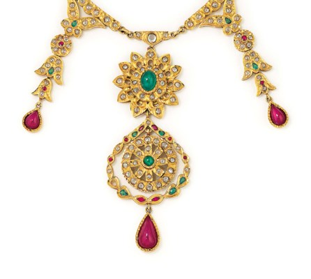 A GEM AND IMITATION GEM NECKLA