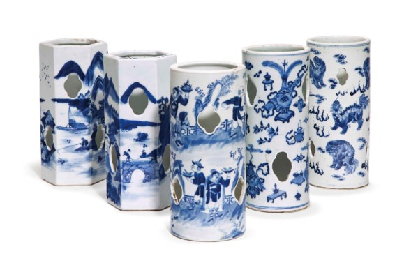 FIVE CHINESE BLUE AND WHITE HA