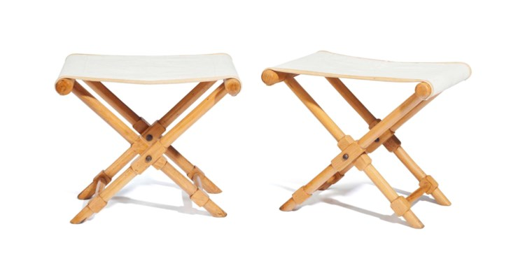 A PAIR OF FRENCH BLONDEWOOD FO