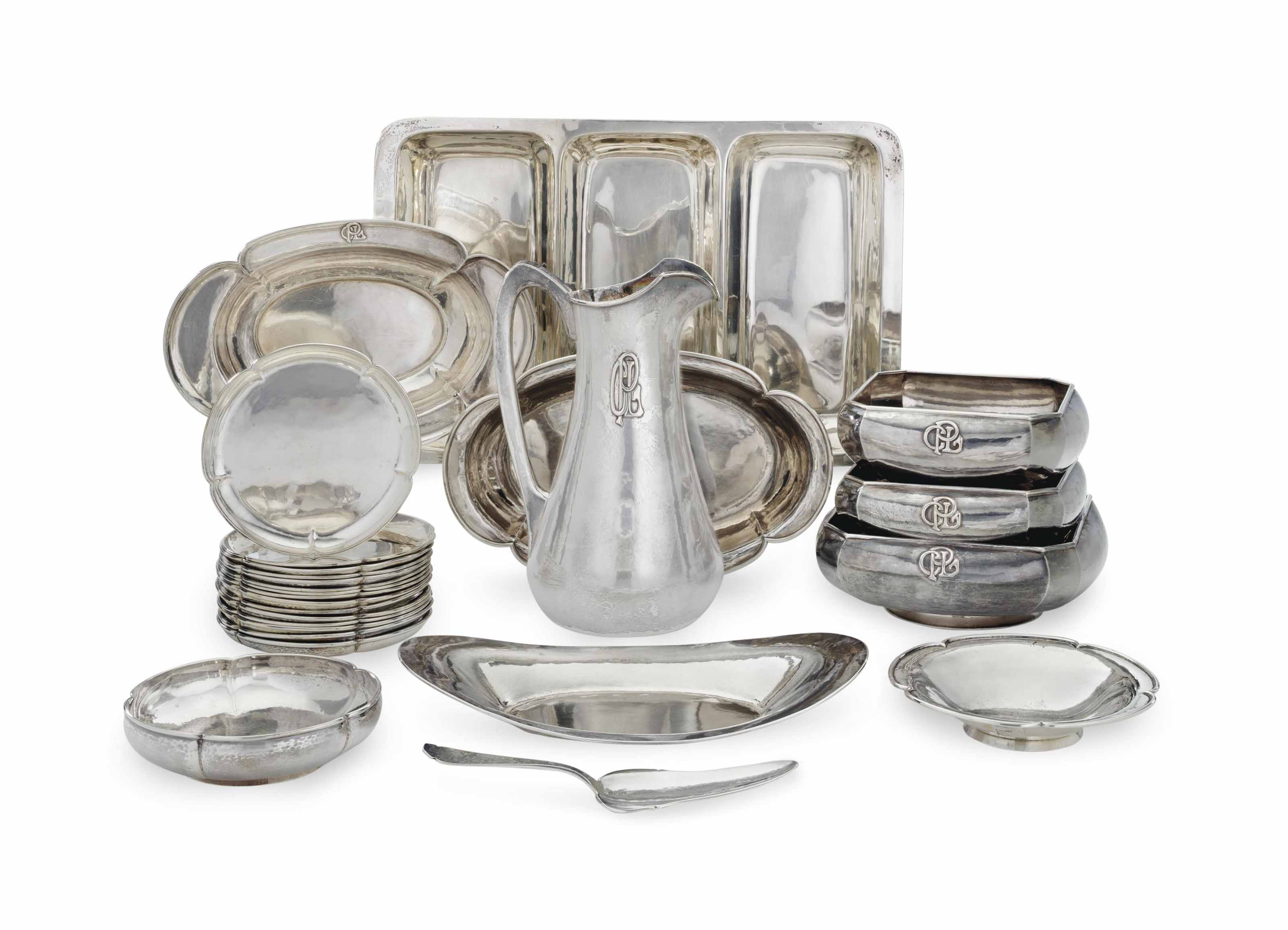 A GROUP OF AMERICAN SILVER SERVING WARES