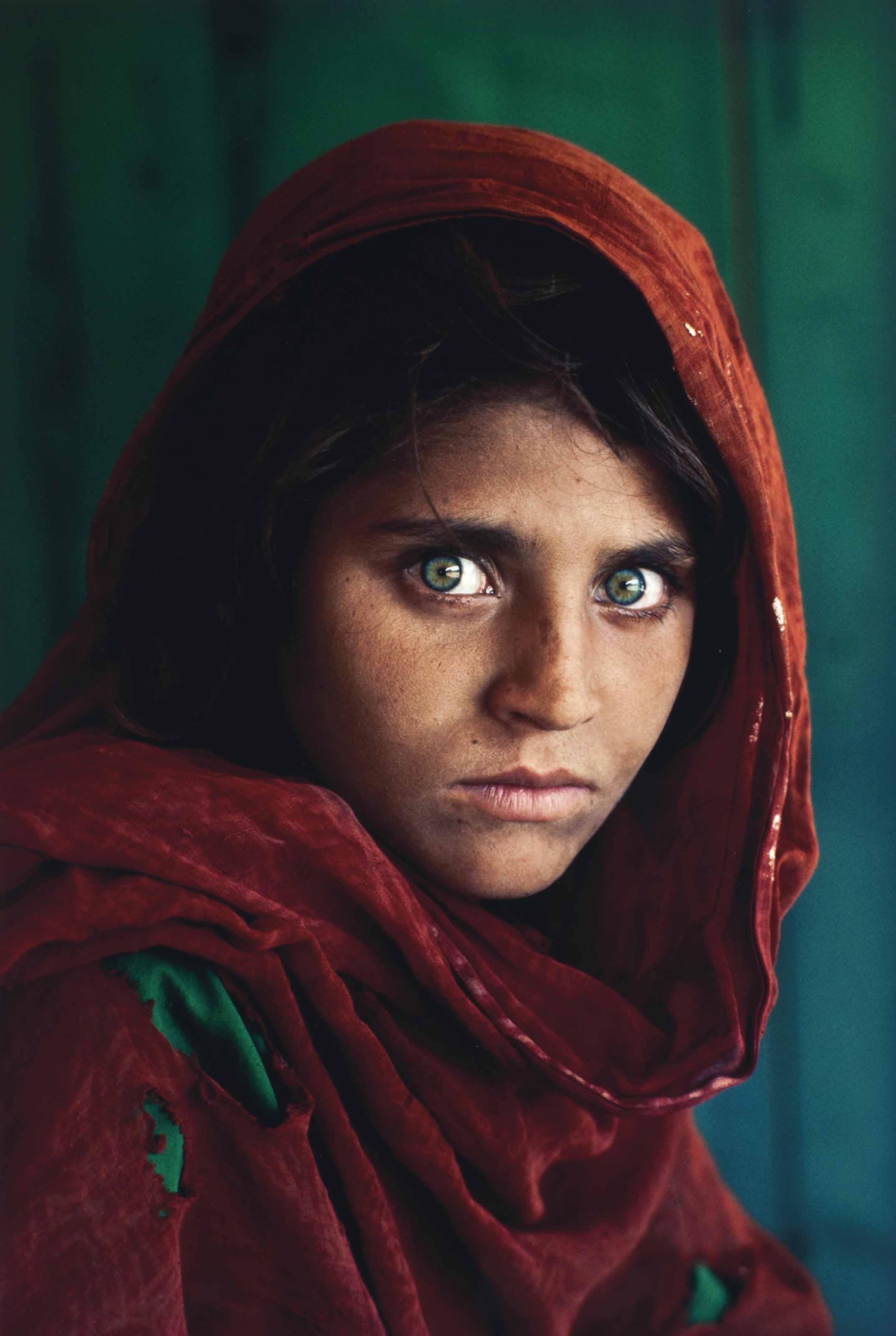 Sharbat Gula, Afghan Girl, Pakistan, 1985