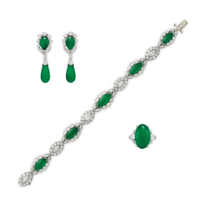 A SUITE OF JADE AND DIAMOND JE