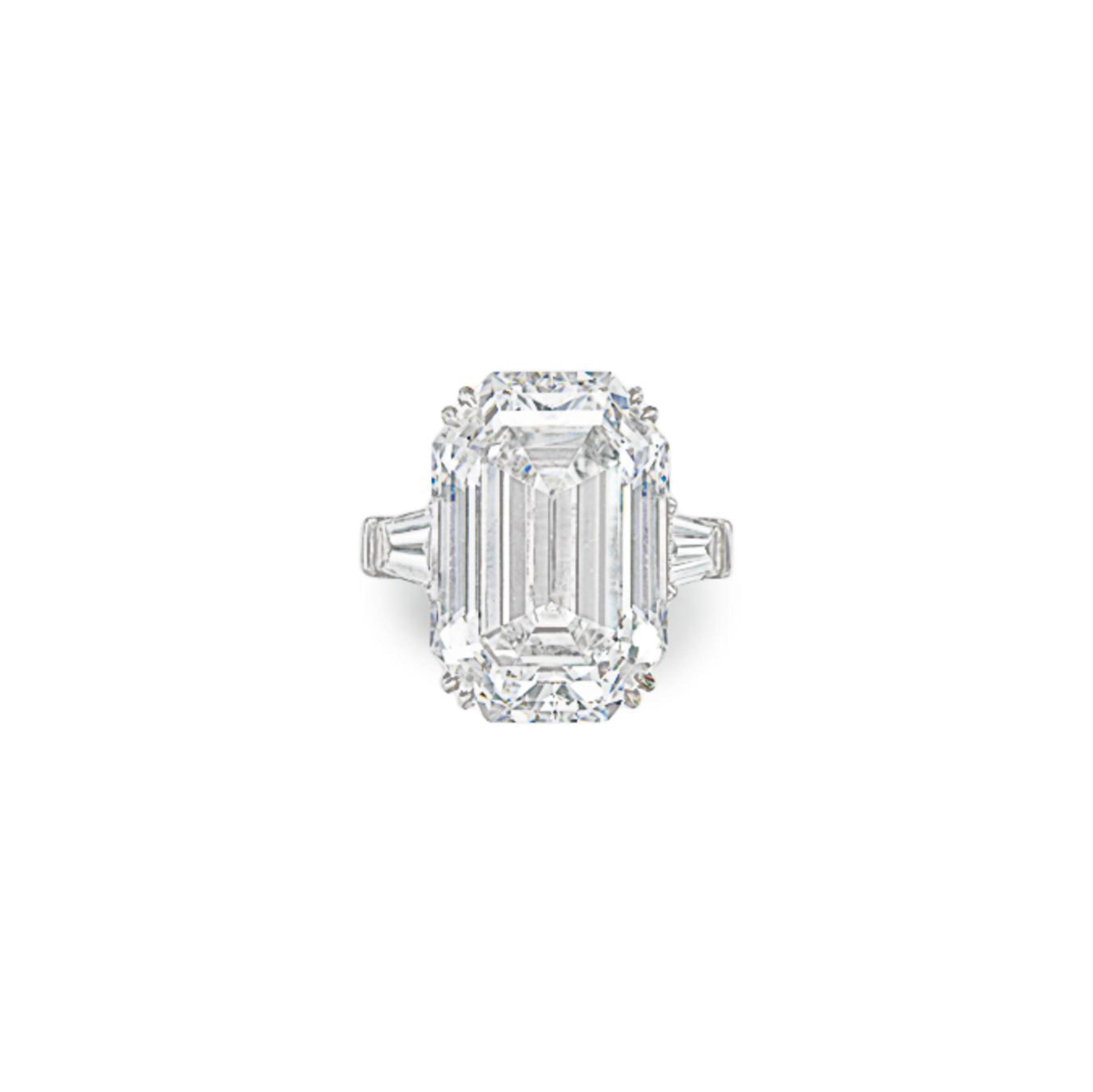 AN IMPORTANT DIAMOND RING, BY GRAFF