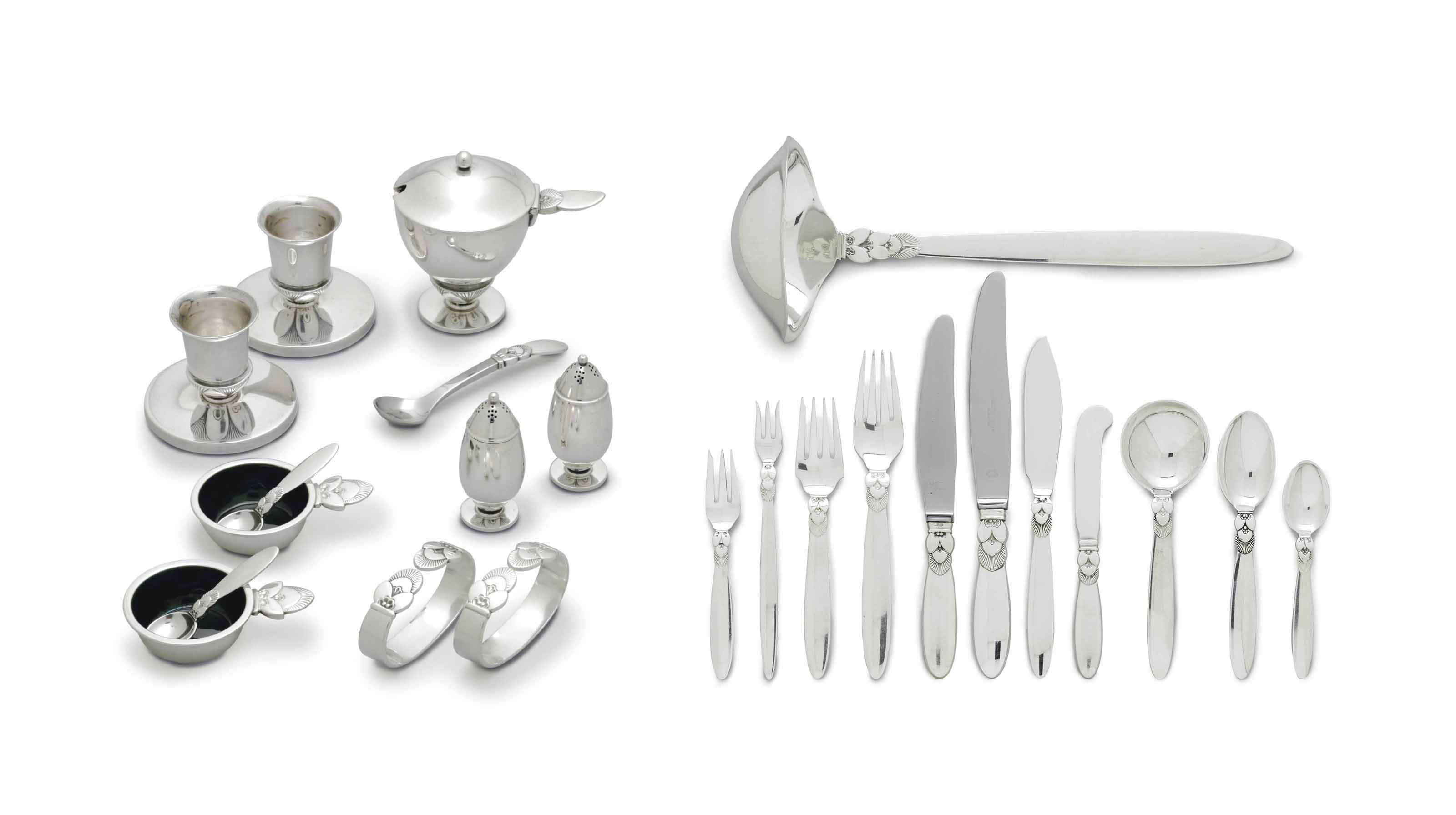 A DANISH SILVER PART FLATWARE SERVICE, DESIGNED BY GUNDORPH ALBERTUS