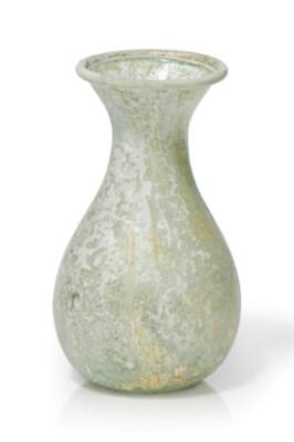 A ROMAN PALE GREEN GLASS UNGUE