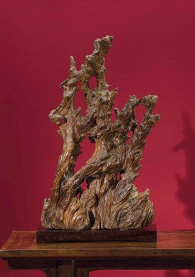 A LARGE ROOT WOOD SCULPTURE