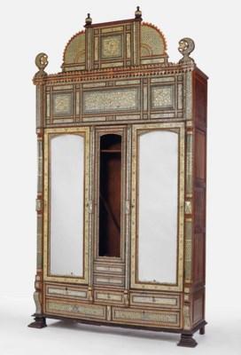 grande armoire de la premiere moitie du xxeme siecle. Black Bedroom Furniture Sets. Home Design Ideas