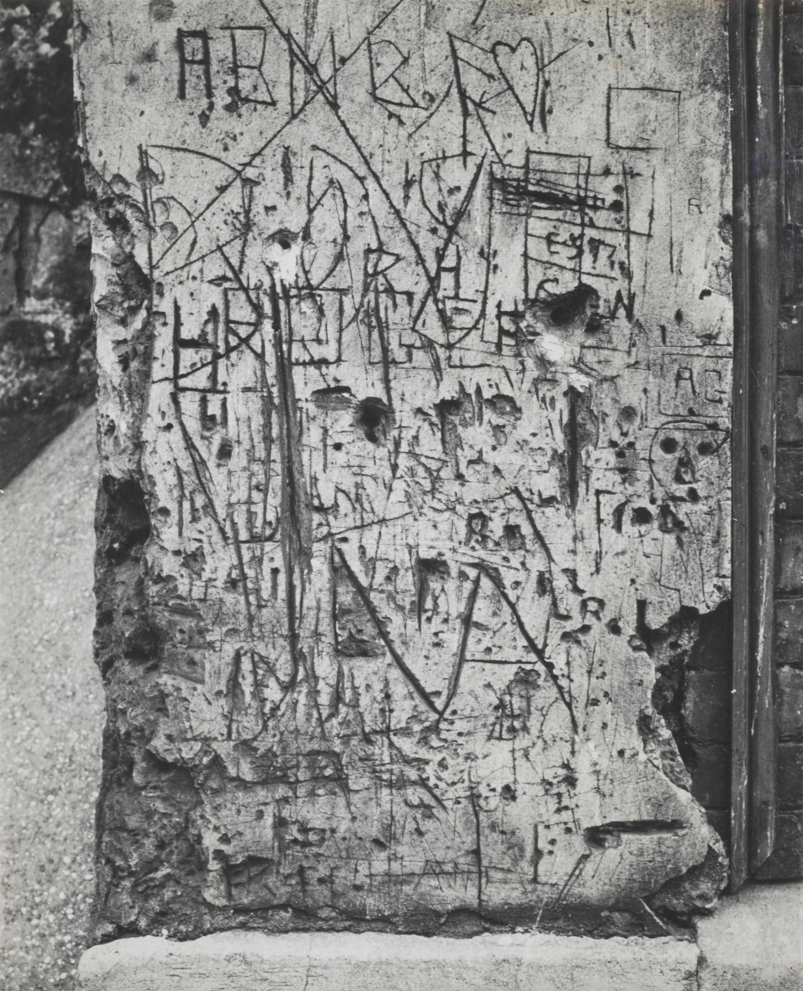 Graffiti, série II 'Langage du mur', vers 1933-1950
