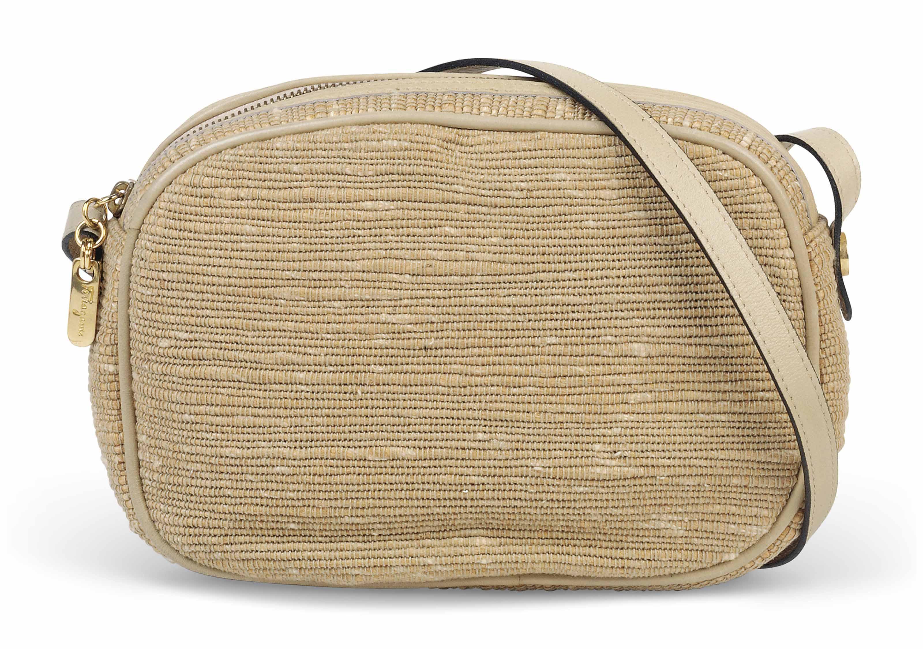 A SMALL RECTANGULAR SHOULDER BAG