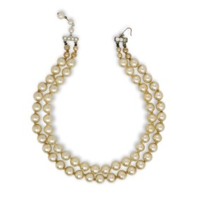 A DOUBLE STRAND SIMULATED PEARL CHOKER
