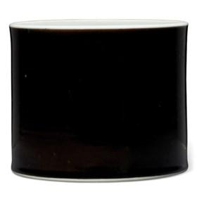 A MIRROR-BLACK-GLAZED BRUSH POT