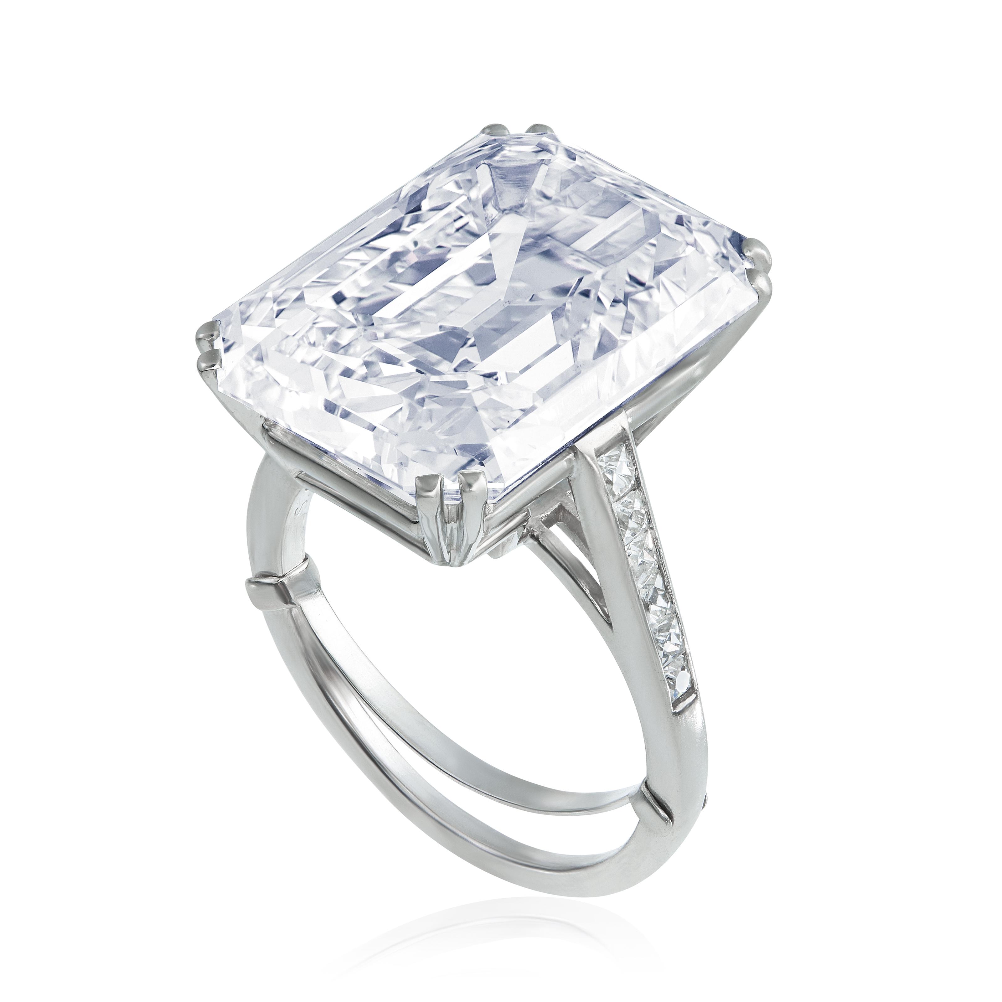 A DIAMOND RING, BY VAN CLEEF & ARPELS