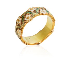 AN ART NOUVEAU ENAMEL BAND RING, BY RENÉ LALIQUE