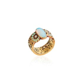 AN ART NOUVEAU OPAL, ENAMEL AND DIAMOND BAND RING, BY RENÉ L
