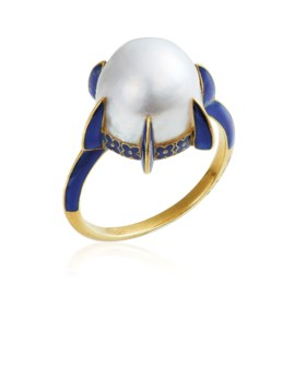 AN ART NOUVEAU CULTURED PEARL AND ENAMEL RING, BY RENÉ LALIQ