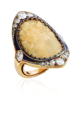 AN ART NOUVEAU GALALITH, DIAMOND AND ENAMEL RING, BY RENÉ LA