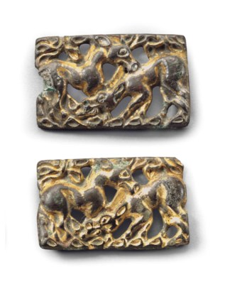 A PAIR OF GILT-BRONZE BELT PLA